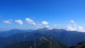 左から仙丈ケ岳・甲斐駒ケ岳・農鳥岳